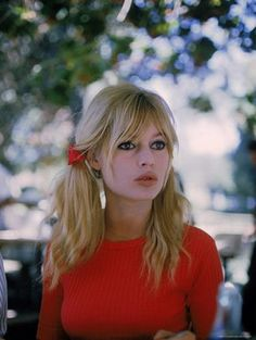 Brigitte Bardot--how can anyone look that gorgeous despite her makeup artist's blunder?