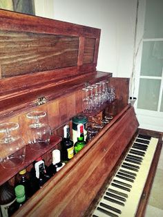 Piano bar, with built-in ice trough?