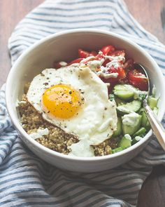 Love This Sunny Greek Quinoa Breakfast Bowl via @mjandhungryman