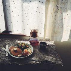 おはよーございます 朝からガッツリすぎてすみませんf^_^; 朝日が差し込む窓辺の特等席でパ... | Use Instagram online! Websta is the Best Instagram Web Viewer!