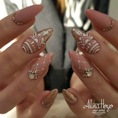 """Obtain fantastic ideas on """"acrylic nail art designs gallery"""". They are actually offered for you on our website. Henna Nail Art, Henna Nails, Lace Nails, Silver Nails, Perfect Nails, Gorgeous Nails, Stylish Nails, Trendy Nails, Nail Art Strass"""