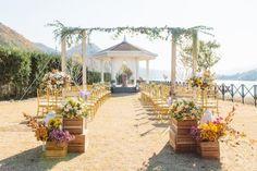 10월의 어느날에 있었던 가평 강가의집에서 웨딩입니다 빈티지웨딩컨셉 입구장식 두분의 웨딩을 알리는 스... Table Decorations, Flowers, Weddings, Furniture, Home Decor, Homemade Home Decor, Floral, Mariage, Wedding