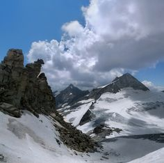 Gefrorene-Wand-Spitzen reaching the clouds   Flickr - Photo Sharing!