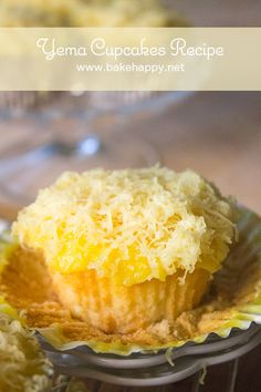 Yema Cupcakes - fluffy, cotton-y soft cupcake, covered with a delicate yema icing, smothered with grated cheese. Perfect for yema loving people out there. Pinoy Dessert, Filipino Desserts, Asian Desserts, Filipino Recipes, Filipino Food, Filipino Dishes, Pinoy Food, Cupcake Flavors, Cupcake Recipes