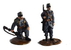 Bermann Bronze (Vienna Austria,since 1850)  K.u.K WW1 Hungarian Hussars Vienna cold painted bronzes. Date: Pre WW1 Hungarian Hussars in uniform as they would have fought in WW1. Hand painted bronze figures stamped on the base with the Fritz Bermann Werk mark from around 1910. Dimensions: Standing: 4.5 cm H x W 2.5cm Squatting: 3.5 cm H x W 4 cm