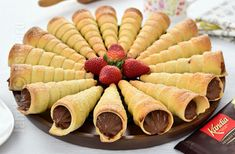 No Cook Desserts, Sweet Desserts, Dessert Recipes, Chocolate Filling, Frappe, Nutella, Good Food, Food And Drink, Cooking Recipes