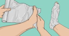 Aluminum foil is one of the products that can be found in any home. Here is how to treat bunions using aluminum foil very easily. How To Treat Bunions, Image Skincare, Walking In Nature, Best Makeup Products, Lush Products, Beauty Products, Health And Beauty, Aurora Sleeping Beauty, How Are You Feeling
