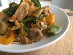 Thai Wok, Pot Roast, Broccoli, Cooking, Ethnic Recipes, Carne Asada, Kitchen, Roast Beef, Brewing