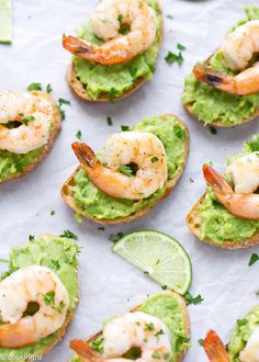 Avocado And Shrimp Crostini / the perfect healthy appetizer for your guests Healthy Appetizers, Appetizer Recipes, Healthy Snacks, Healthy Recipes, Delicious Recipes, Avocado Recipes, Shrimp Recipes, Clean Eating Snacks, Healthy Eating