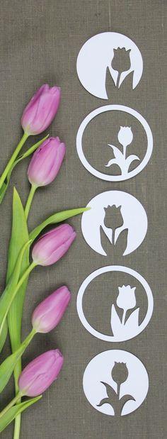 Nach den Schneeglöckchen kommen die Tulpen! Ein blumiges Plotterfreebie! Spring Decoration, Kirigami, Easter Crafts, Pin Collection, Paper Art, Diy And Crafts, Creative, Handmade, Papercutting