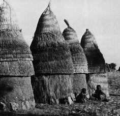 Mumoye Granaries, Near Zinna, Nigeria, 1960