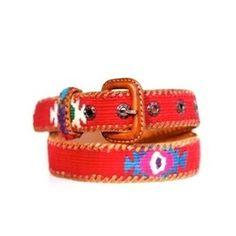 Cinturón Kids Rojo Cinturón fabricado artesanalmente, bordado a mano con hilo de algodón y piel natural. Frente de base de hilo de algodón color rojo y decorados en varios colores. 25€