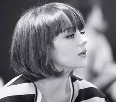 Advertisement: French bob haircut is within vogue on a regular basis. If it is a longer layered bob, a medium shaggy bob or even a shoulder length bob with side swept bangs, the French bob hairstyle is certainly… Continue Reading → Short Haircuts With Bangs, Bob Haircut With Bangs, Short Bob Hairstyles, Short Hair Cuts, French Hairstyles, French Haircut, Bob Bangs, Chic Haircut, Long Hairstyles