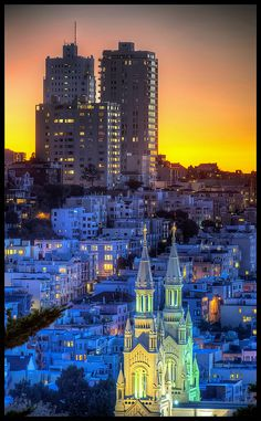 A wonderful and colorful sunset seen from Coit Tower, San Francisco