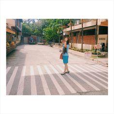 Just w.a.l.k.  © @maezzibonbon Filipina, Series Movies, Photo Art, Walking, Street View, Christian, Travel, Viajes, Walks