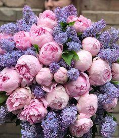 Dreamy huge Lilac & Peonies bouquet by 💗 _________________ Peonies Bouquet, Pink Peonies, Bouquets, My Flower, Flower Power, Flower Truck, Shades Of Purple, Dream Garden, Seasonal Decor