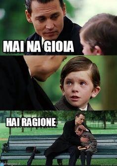 - Mai 'na gioia! - Hai ragione. #mainagioia #maniunagioia #neverajoy #johnnydepp #ironia #sarcasmo #cinismo #umorismo #abbraccio