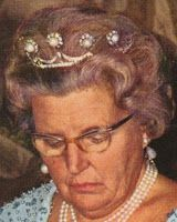 Tiara Mania: Queen Juliana of the Netherlands' Pearl Button Tiara