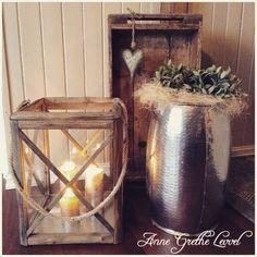 Ny uke, nye muligheter Ha en fin mandag alle sammenHave a nice day #lykt#gammelkasse#kasse#hjerte#heart#candles#old#monday