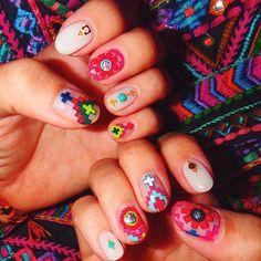 いいね!1,691件、コメント31件 ― MOYAさん(@moyamoya2121)のInstagramアカウント: 「_ new my nail 安定の@mananails✔︎✔︎✔︎ 今回はstarmelaのような細かい細かい刺繍のようなnailartにしてもらったよ❤️…」