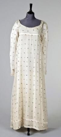 Sprigged Indian muslin gown, 1800.