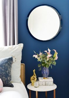 Shine bright like a lacquered mirror!  Learn how to lacquer anything and everything in 5 easy DIY steps with the @AmyHowardHome collection from our go-to @AceHardware   #Sponsored #DIYproject