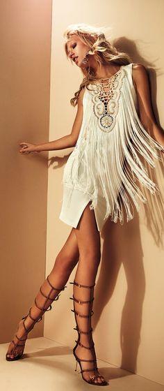 boho, feathers + gypsy spirit + bohemian ☮k☮ boho Hippie Style, Mode Hippie, Gypsy Style, Boho Gypsy, Hippie Boho, Bohemian Style, Hippie Masa, Ibiza Style, Mode Style