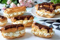 Dziś domowe eklerki z prostego ciasta parzonego. To dla mnie trochę taka cukiernicza magia, że ciasto rośnie tak pięknie bez żadnego proszku, nie wiem jak, ale to działa. I jest Low Carb Side Dishes, Cake Bars, Sweets Cake, Polish Recipes, Eclairs, Food For Thought, I Foods, Cake Cookies, Cheesecake