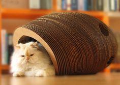 Кошачий домик из картона