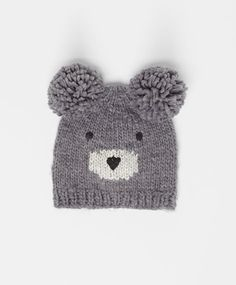 Cute bear hat, null€ - null - Find more trends in women fashion at Oysho . Baby Hats Knitting, Knitting For Kids, Baby Knitting Patterns, Loom Knitting, Knitted Hats, Crochet Hats, Diy Crafts Knitting, Knitting Projects, Crochet Dinosaur Patterns