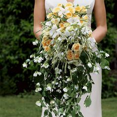 Cascading Yellow and White Bouquet  - Learn the different bouquet styles you can choose from - Wedding Flowers
