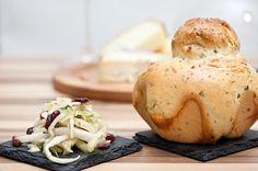 Annetts kulinarisches Tagebuch: Kräuterbrioche à tête mit zitronigem Weißkohl-Kohl...