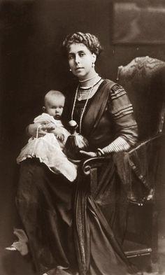 Victoria Melita and baby daughter, Kira.