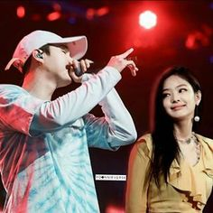 """Y: """"I wrote this song for her."""" *Starts rapping* J: 😊😊😊😊😊😊 . Swag Couples, Kpop Couples, Nct Group, Blackpink And Bts, Jennie Blackpink, Significant Other, Your Boyfriend, Bts Suga, Mamamoo"""