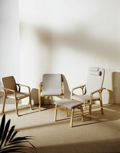 Mino is created inspired by the iconic Lamino. The chair is designed with the shape and needs of the human body in mind. Sandell has carefully considered every aspect of what a chair needs to offer. The end result is marked by the large amount of compassion and care that was put into the design process, while also being true to the stylish look of its predecessor, making it perfect for someone who values the combination of comfort and aesthetics. Mino is equally nice to look at as to sit in.