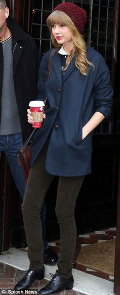 Taylor swift satchel look