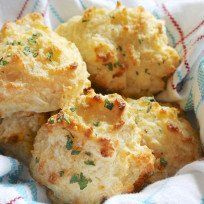 #Copycat Red Lobster Cheddar Biscuits | Food Fanatic blog