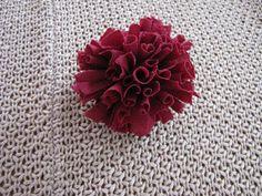 Little Treasures: Fabric carnation tutorial