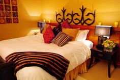 This Goderich Ontario Hotel /Inn is an ideal setting for a romantic retreat, group event or wedding. Hotel Inn, Motel, Cottage, Spaces, Bed, Travel, Furniture, Home Decor, Viajes