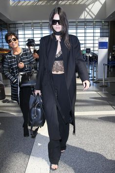 35 Practical Tips You Can Take From the Most Stylish Supermodel Airport Outfits