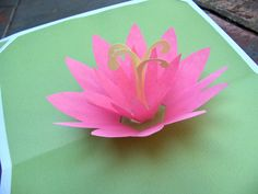 Zakka Life shares the lovely lotus pop-up card sge made using these instructions and templates from the LiveJournal pop-up community. Pop Up Flower Cards, Pop Up Flowers, Paper Flowers, 3d Cards, Pop Up Cards, Diy Popup Cards, Envelopes, Pop Up Card Templates, Origami Templates