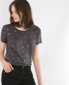 T-shirt ananas - Le motif ananas s'illumine et réveille les traîts du t-shirt basique.