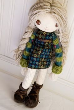 Super cute rag doll...website has a lot of really cute crocheted dolls and animals!