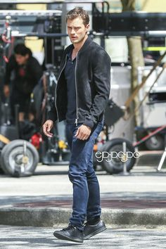 Jamie Dornan on set Fifty Shades Freed June 20 in Gastown Vancouver in front of SIP by everything Jamie Dornan.com