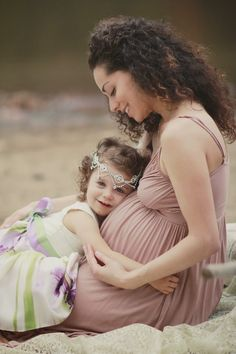 A Stunning Mommy & Me Beach Maternity Session By BNK Photography vis Fawn Over Baby  #maternity #maternitysession #beachphotography