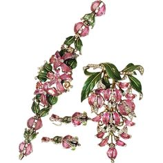 Spectacular Trifari PINK Unfoiled Demilune & Enamel Bracelet Brooch & Earrings 1942-ULTRA Rare TOP OF THE LINE PIECES Star Jewelry, Jewelry Sets, Jewelry Making, Vintage Costume Jewelry, Vintage Jewelry, Walmart Jewelry, Fantasy Jewelry, Vintage Brooches, Jewelery