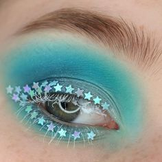 The Starfall Glitter Makeup is made of glittering stars that make you to shine anywhere. The Effective Pictures We Offer You About Glitter pre Makeup Blog, Makeup Art, Eye Makeup, Body Glitter, Glitter Makeup, Glitter Outfit, Glitter Dress, Eyeliner Types, Flower Makeup