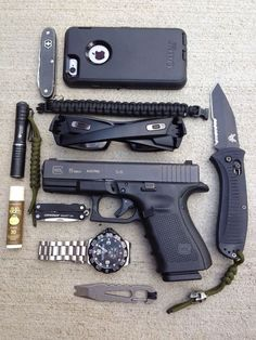 Strong EDC dump, mostly black. Feels like a pretty well balanced carry to me. #EverydayCarry