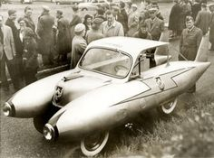 USAF Lt. Col. Edward Richer, early 1950s, in England with the car he made from a Ford Anglia chassis, Austin and Chevy parts, and fuel tanks from a scrapped Lockheed. [1024x762] • r/HistoryPorn