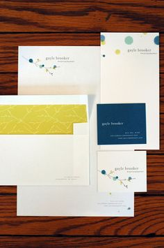 Love those envelope liners and the color scheme in general. Fantastic!